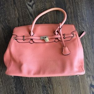 Handbags - Structured tote